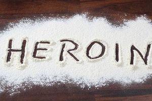 Bị tái nghiện sau khi ra tù, bắt quả tang cầm trên tay 0,143 gr ma túy có bị kết án nữa không?