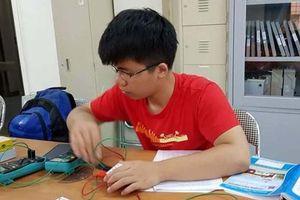 Nam sinh xứ Thanh tự học là chính, giành huy chương Vàng Olympic Vật lý quốc tế