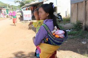 Đắk Nông: Những người mẹ trẻ sinh con từ thuở 12