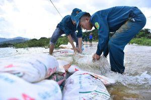 Ngoại thành Hà Nội trong trận lụt lịch sử: Không có chuyện thành phố thờ ơ với người dân