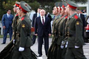 Lo binh sĩ 'dao động', Nga thành lập tổng cục giáo dục lòng yêu nước cho quân đội