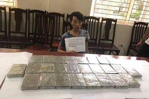 Nam thanh niên vác 'bao tải ma túy' trong lần đầu xuống thủ đô