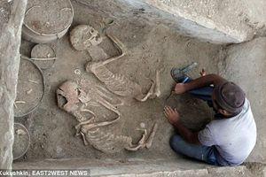 Tìm thấy hài cốt 'Romeo và Juliet thời cổ đại' 5.000 năm tuổi