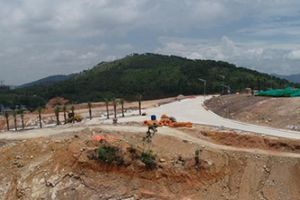 Dự án Monaco Hạ Long: Lo trồng cỏ bán đất nền, quên xây kè chống sạt