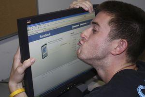 Facebook sắp có tính năng giúp bạn biết đã nghiện mạng xã hội này nhiều thế nào