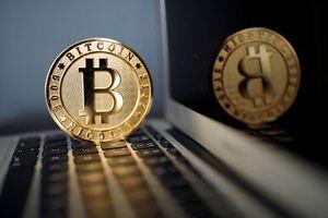 Giá Bitcoin hôm nay 2/8: Tiếp tục tụt dốc không phanh