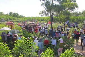 Vụ tai nạn ở Quảng Nam: Nhiều người khóc ngất trong đám tang chú rể và người thân
