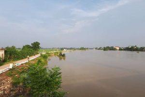 Ngập lụt ở ngoại thành Hà Nội: Nước đã có dấu hiệu rút