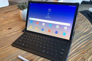 Samsung công bố Galaxy Tab S4, sản phẩm cao cấp với mục tiêu thay thế chiếc laptop cồng kềnh