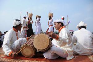 Tham gia Ngày hội văn hóa các dân tộc miền Trung lần thứ III
