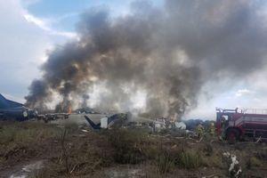 Cảnh hỗn loạn bên trong chiếc máy bay Mexico bị rơi