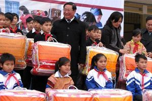 Chăn ấm đến với học sinh dân tộc nội trú tỉnh Lào Cai
