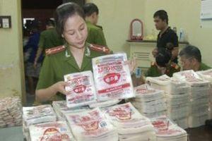 Dùng bột ngọt Trung Quốc đóng nhãn mác nổi tiếng