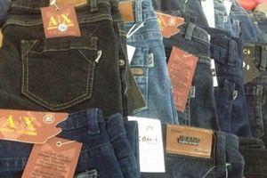 130.000 đồng/chiếc quần jean 2 hiệu Prada, Mango
