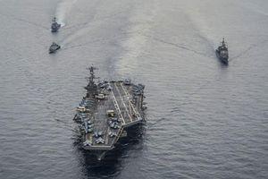 Chiến hạm Mỹ-Malaysia dàn quân tập trận trên Biển Đông