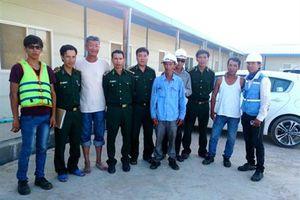 BĐBP Hà Tĩnh: Cứu nạn 6 thuyền viên trong vụ lật xà lan tại cảng Sơn Dương