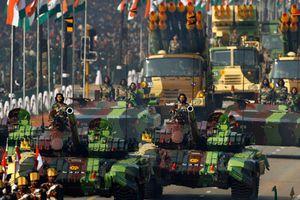 Ấn Độ muốn bán vũ khí gì cho Việt Nam và TG?