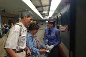 Bắt đầu chạy tàu du lịch chất lượng cao Hà Nội - Thanh Hóa