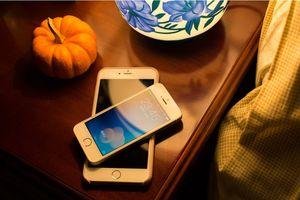 Giá điện thoại iPhone ở Việt Nam lao dốc không phanh