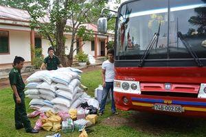 BĐBP Quảng Trị bắt vụ vận chuyển hàng lậu lớn