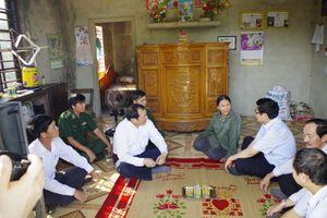 Bộ trưởng Cao Đức Phát thăm bà con ngư dân Quảng Trị