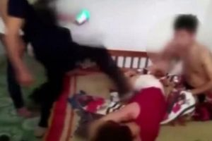 Mẹ chồng đánh con dâu ngoại tình: Ai đáng trách?