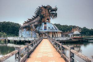Công viên Việt bỏ hoang lên báo Tây vì quá 'ma mị dị thường'