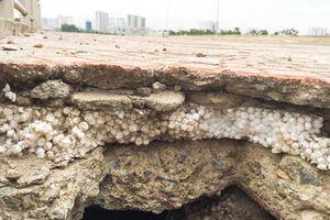 Bê tông lót xốp trên cầu vượt đường sắt: 'Thi công quá ẩu'