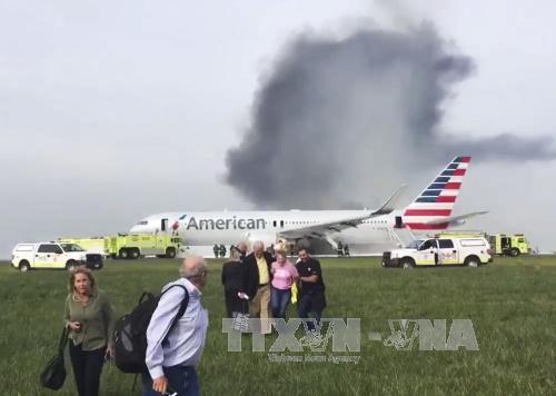 Vụ cháy máy bay ở Mỹ: Số người bị thương tăng lên 20