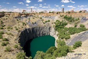 Khám phá 9 hố sâu đặc biệt nhất thế giới