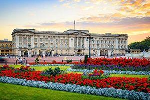 Choáng ngợp những nơi ở của Nữ hoàng Anh Elizabeth II