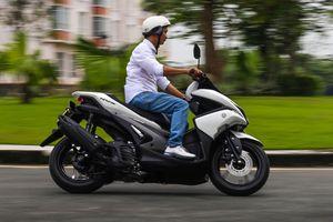 Yamaha NVX chạy 40 km hết 1 lít xăng trong thành phố