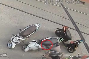 Lật tẩy thủ đoạn móc trộm cốp xe của khách cực tinh vi