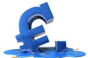 Đồng Euro rơi xuống thấp nhất 2 năm sau cuộc trưng cầu dân ý tại Italia