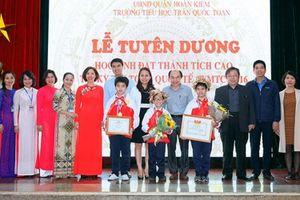Trường Trần Quốc Toản khen thưởng học sinh đạt giải cao tại kỳ thi Toán WMTC 2016