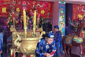 'Choáng' trước kho báu trong ngôi mộ cổ ở Biên Hòa