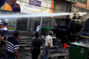 Chùm ảnh biểu tình dữ dội ở Paraguay