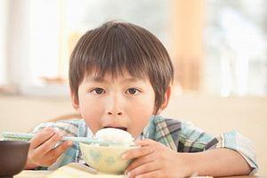 Những món có chết đói mẹ cũng không cho con ăn buổi sáng