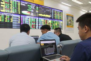 Nhà đầu tư đổ tiền vào trái phiếu chính phủ