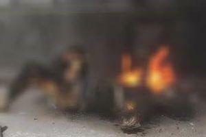 Hưng Yên: Một phụ nữ bất ngờ đổ xăng lên người tự thiêu