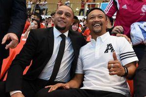 Singapore tính 'kích cầu' bóng đá với Roberto Carlos