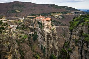 Choáng ngợp quần thể tu viện 'trên trời' ở Hy Lạp