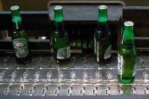 Vì sao vỏ bia thường màu xanh hoặc nâu?