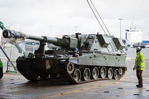 Căng thẳng cảnh vũ khí Anh đổ tới sát nách Nga