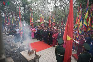 Hình ảnh: Chủ tịch nước dâng hương tưởng nhớ các Vua Hùng