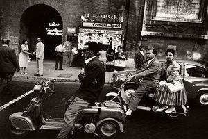 Khám phá cuộc sống thường nhật ở thủ đô Rome năm 1956
