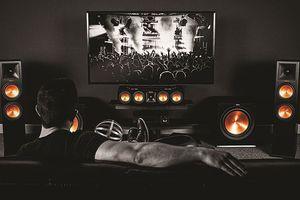 Thiết lập phòng xem phim với amli Denon AVR-X6300H và bộ loa Klipsch Dolby Atmos
