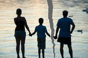 Cậu bé 13 tuổi tự lên tàu hỏa tìm mẹ vì sợ bố mẹ ly hôn