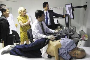 Chuyện lạ: Bệnh viện tư xin tụt hạng để 'gom' bệnh nhân