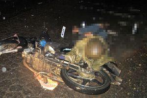 Áo mưa quấn vào xích xe xiết cổ một người đàn ông đến chết